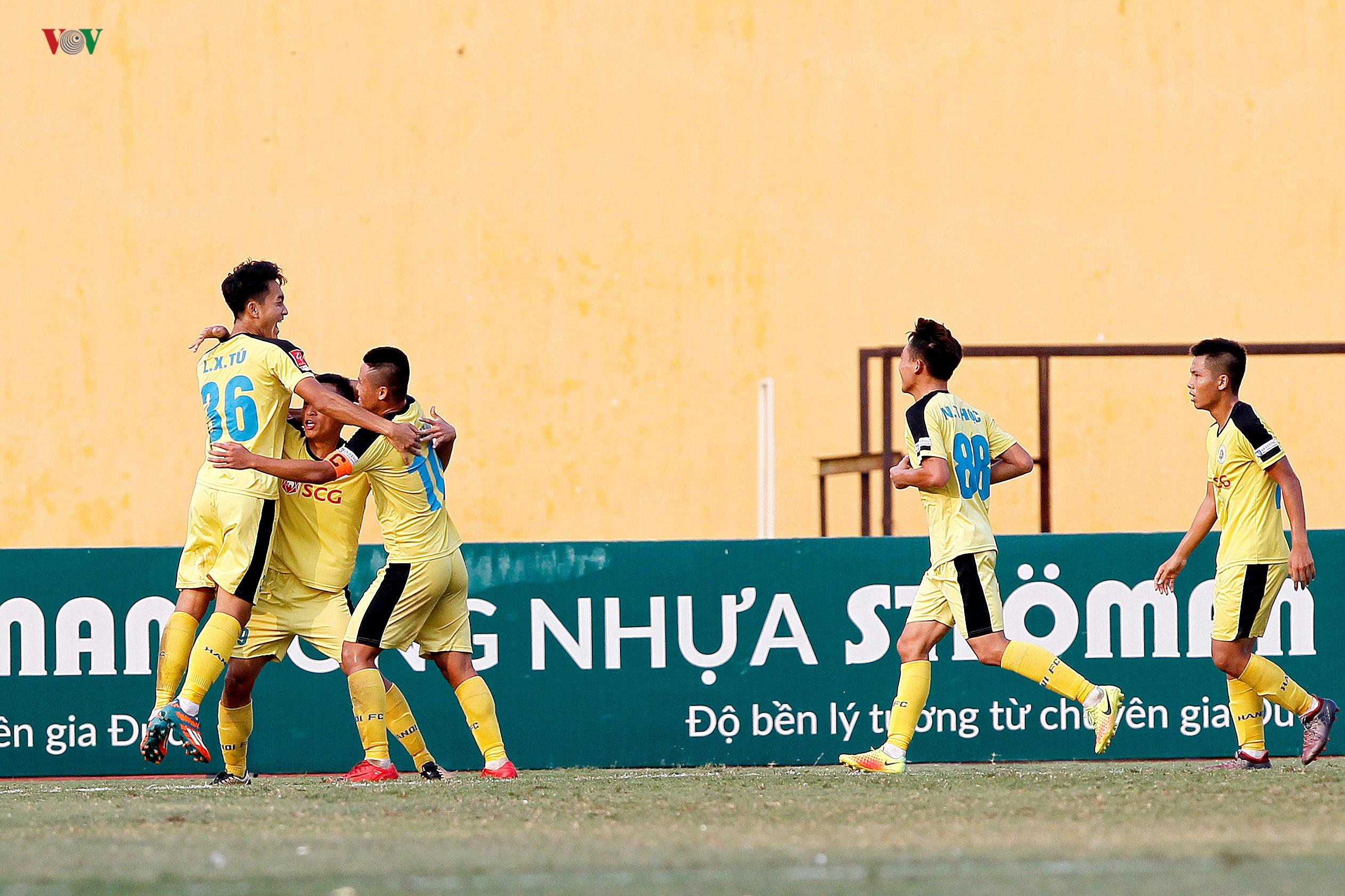 Trận play-off giữa Nam Định và Hà Nội B: Kẻ tám lạng, người nửa cân Ảnh 2