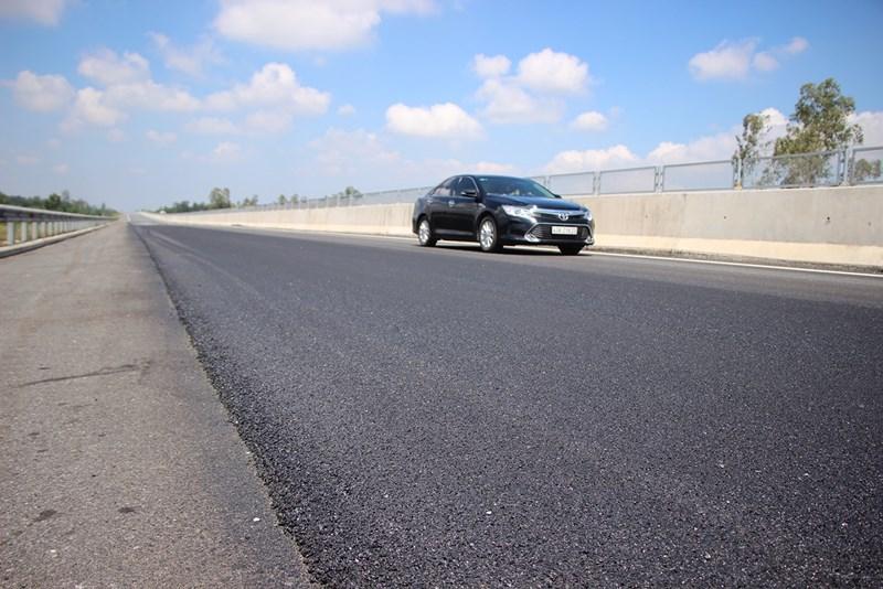 Cận cảnh tuyến đường cao tốc 34.000 tỷ đồng vừa được sửa xong Ảnh 4