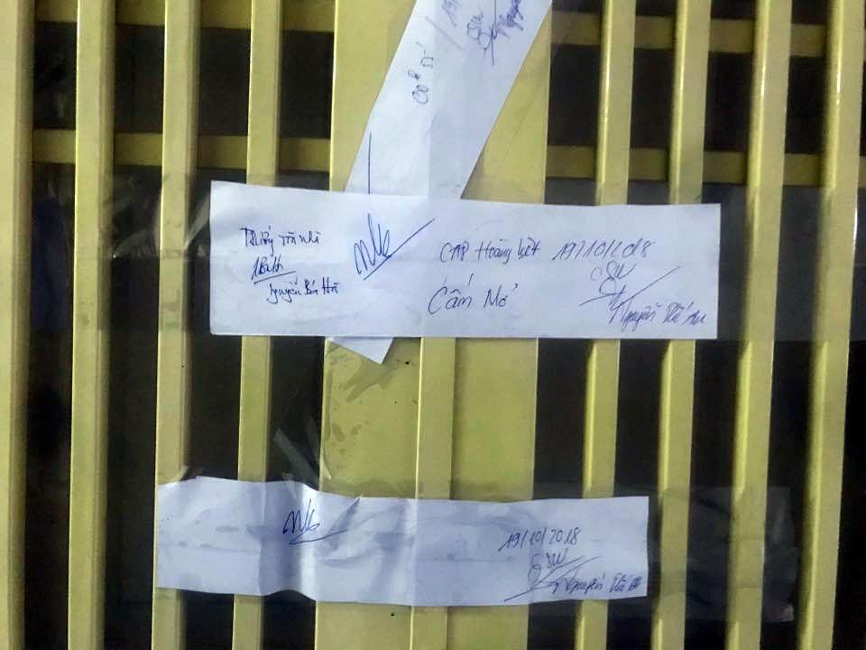 Cảnh sát niêm phong căn hộ chung cư sau vụ bé sơ sinh tử vong Ảnh 1