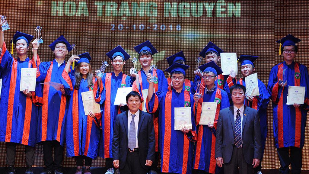 Vinh danh 195 học sinh, sinh viên phía Bắc giành giải thưởng Hoa Trạng Nguyên Ảnh 1