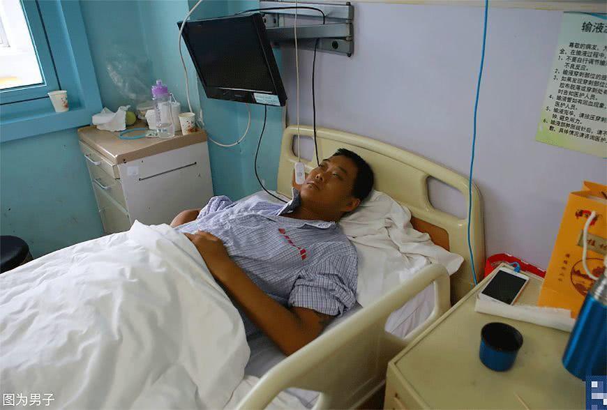 Chàng trai 28 tuổi mắc 16 căn bệnh vì thói quen triệu người mắc Ảnh 3