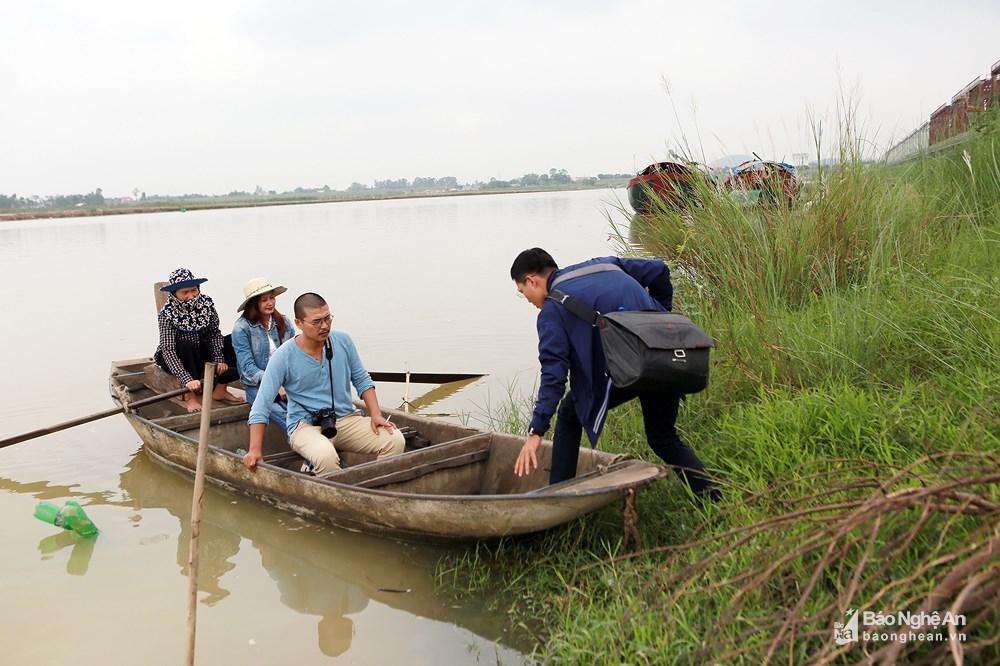 Vẻ đẹp trinh nguyên của bãi lau bên triền sông Lam Ảnh 5