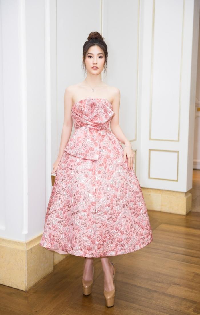 Vừa đăng quang, Á hậu Phương Nga - Hoa hậu Tiểu Vy đã đụng độ chan chát với vô số mỹ nhân Ảnh 9
