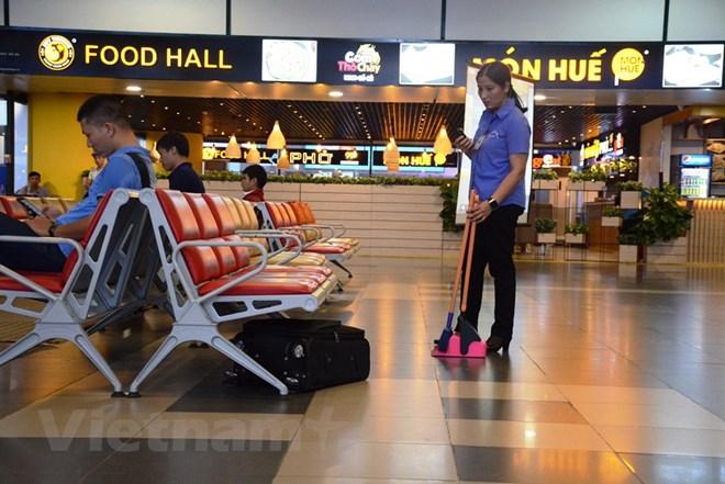 Diễn tập đối phó tình huống đặt bom, mìn tại sân bay Nội Bài Ảnh 2
