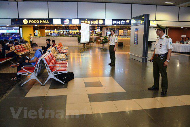 Diễn tập đối phó tình huống đặt bom, mìn tại sân bay Nội Bài Ảnh 3