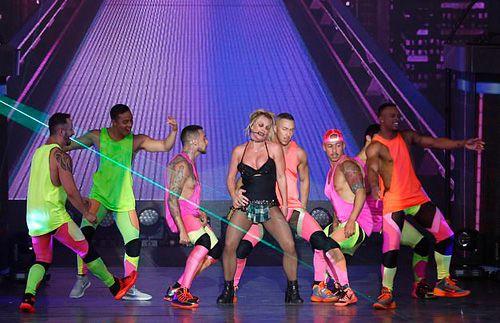 Britney Spears mặc đồ lót biểu diễn ở Texas Ảnh 5