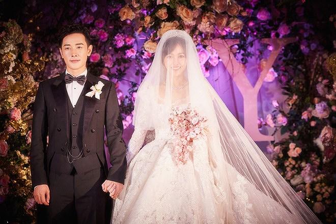 Đường Yên - La Tấn 'khóa môi' ngọt ngào trong đám cưới cổ tích Ảnh 7