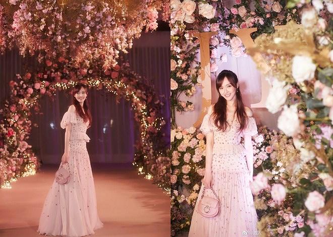 Đường Yên - La Tấn 'khóa môi' ngọt ngào trong đám cưới cổ tích Ảnh 9