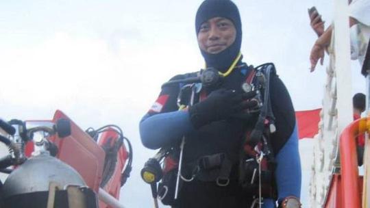 Thợ lặn tử vong khi tìm kiếm máy bay Lion Air Ảnh 1
