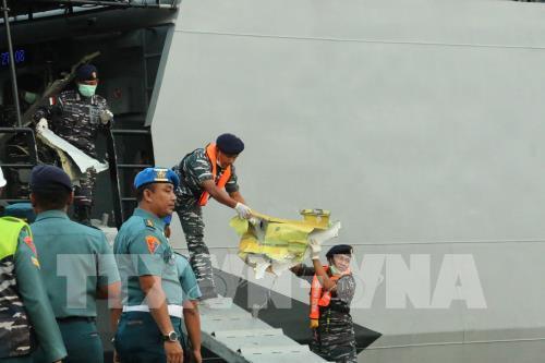 Phát hiện thân và động cơ máy bay Lion Air bị rơi xuống biển ở Indonesia Ảnh 1