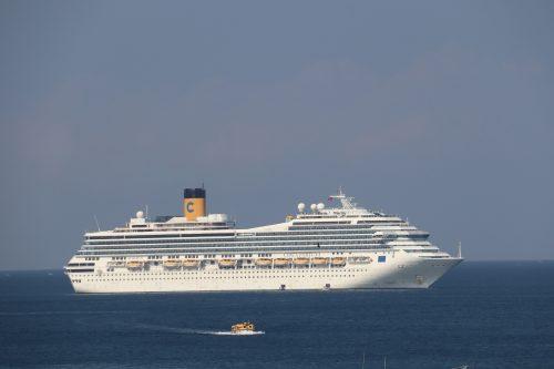 Tham quan Phú Quốc bằng tàu du lịch quốc tế với 1.400 phòng ngủ Ảnh 1
