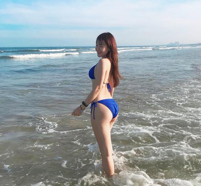 Bạn gái Quang Hải mặc áo tắm sexy nhất dàn bồ cầu thủ AFF Cup Ảnh 8