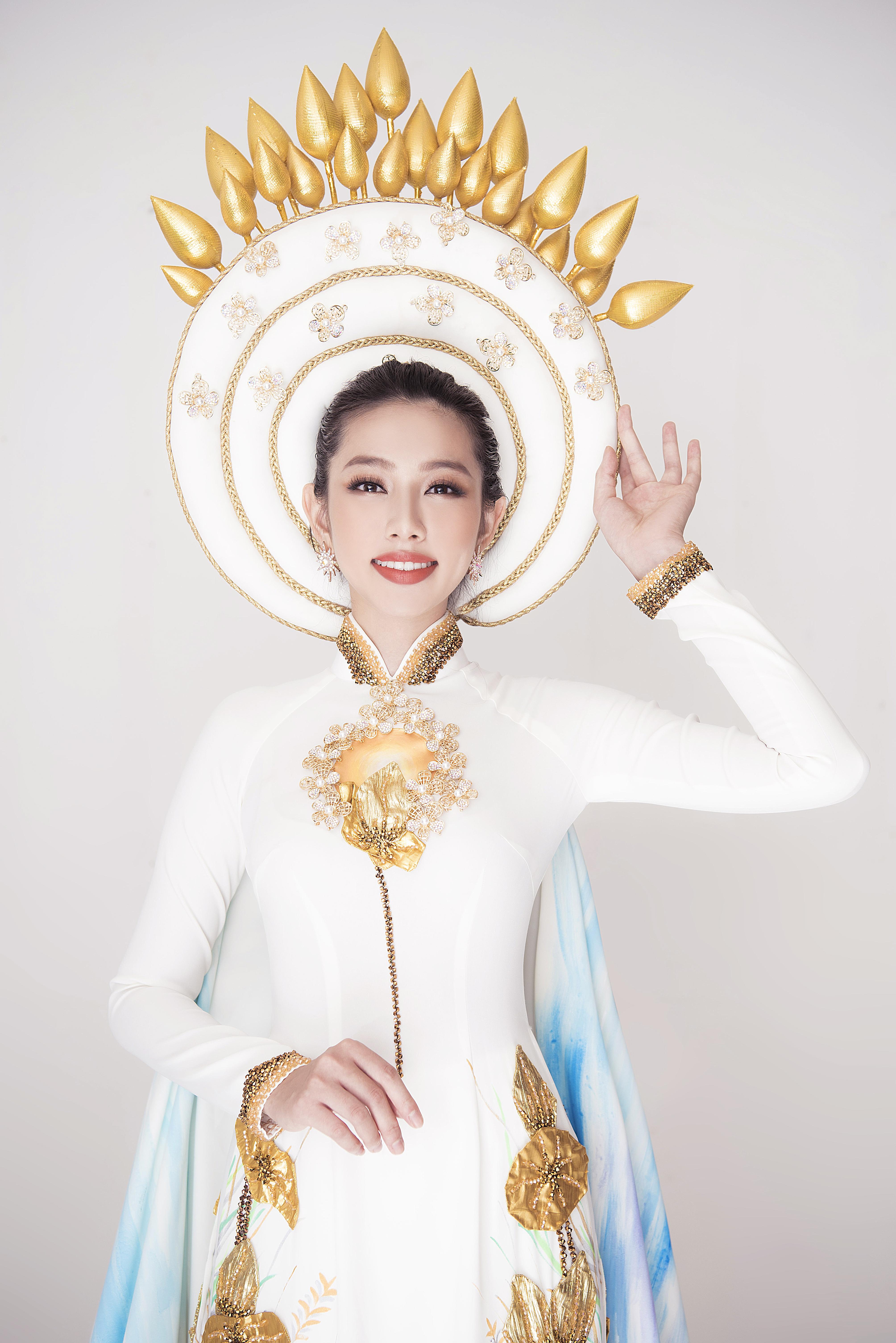 Sau chiến thắng vang dội của Phương Khánh, Thùy Tiên càng được chú ý hơn khi công bố trang phục dân tộc ở Miss International 2018 Ảnh 6