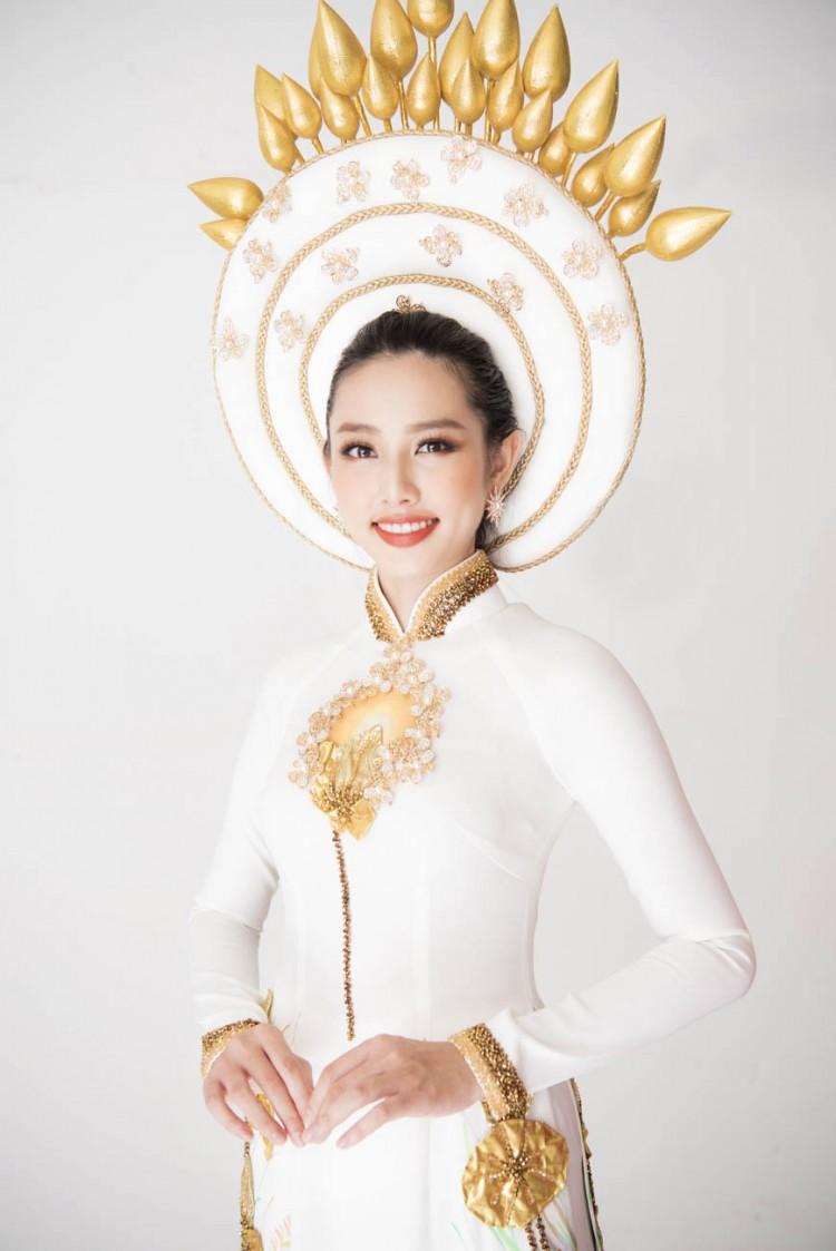 Sau chiến thắng vang dội của Phương Khánh, Thùy Tiên càng được chú ý hơn khi công bố trang phục dân tộc ở Miss International 2018 Ảnh 1