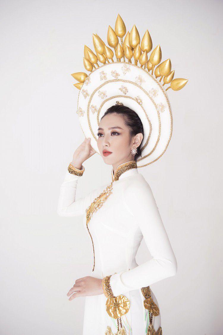 Sau chiến thắng vang dội của Phương Khánh, Thùy Tiên càng được chú ý hơn khi công bố trang phục dân tộc ở Miss International 2018 Ảnh 2