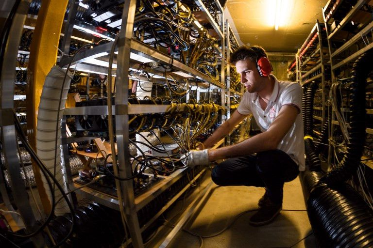 Đào bitcoin ngốn nhiều năng lượng hơn đào vàng, bạch kim, đồng Ảnh 1