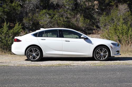 Top 10 xe hơi đẹp nhất tầm giá dưới 40.000 USD: Mazda áp đảo Ảnh 2