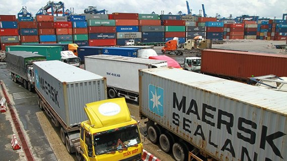 Thiếu bãi đậu xe container trầm trọng, doanh nghiệp vận tải 'kêu' Ảnh 1