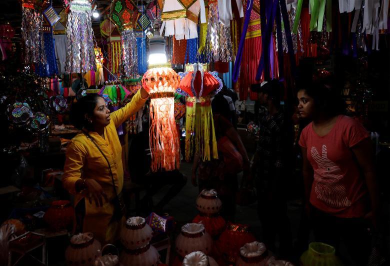 Tưng bừng lễ hội ánh sáng Diwali khắp nơi trên thế giới Ảnh 17