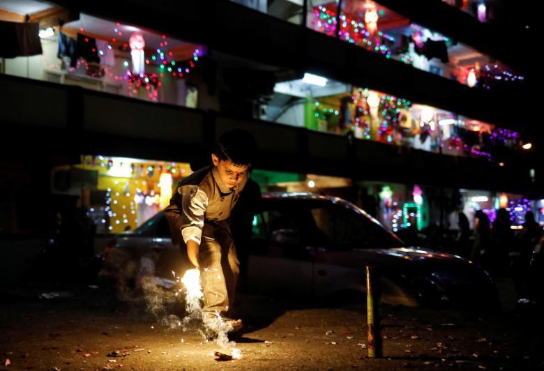 Tưng bừng lễ hội ánh sáng Diwali khắp nơi trên thế giới Ảnh 16