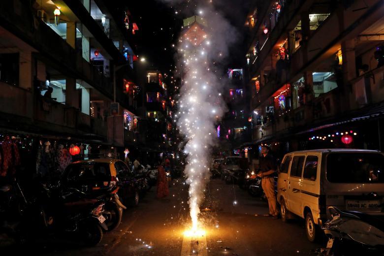 Tưng bừng lễ hội ánh sáng Diwali khắp nơi trên thế giới Ảnh 13