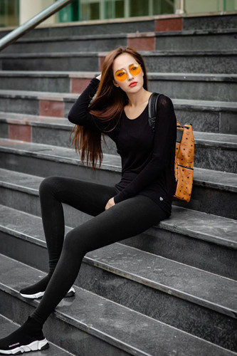 Ngắm gu thời trang sành điệu gợi cảm của Mai Phương Thúy Ảnh 11