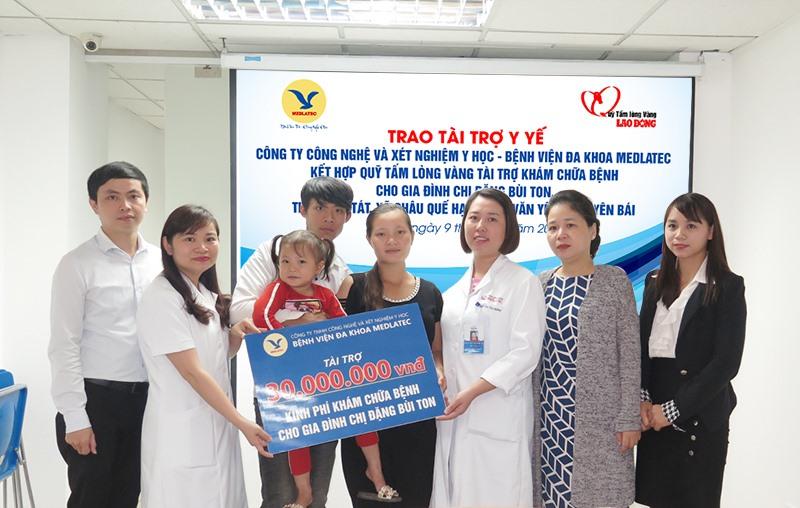 Trao tài trợ 30 triệu đồng cho người mẹ mang gen bệnh tan máu bẩm sinh Ảnh 1