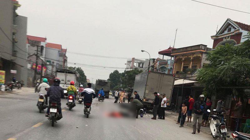 Tránh xe tải đậu bên đường, 3 người đi xe máy thương vong Ảnh 1