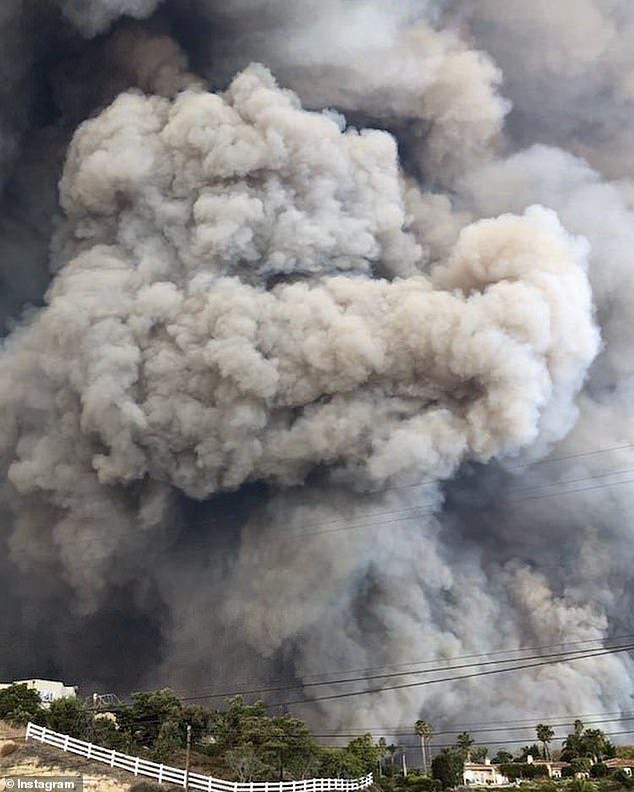Sao Hollywood 'khóc ròng' khi nhà cửa bị thiêu rụi do cháy rừng khủng khiếp ở California Ảnh 5