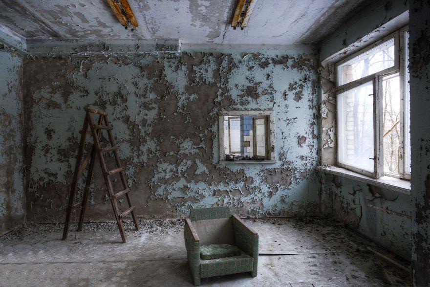 Khung cảnh hoang tàn 30 năm sau thảm họa hạt nhân Chernobyl Ảnh 16