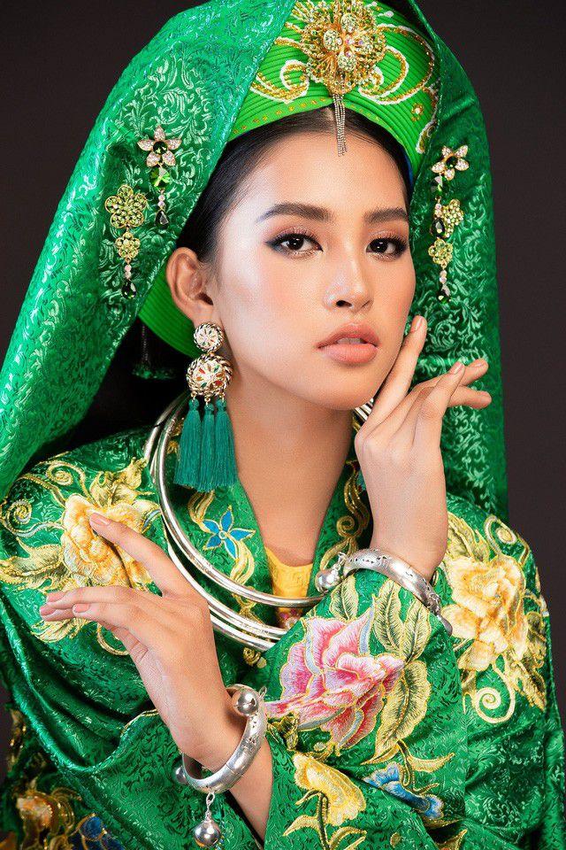 Trần Tiểu Vy khoe vẻ đẹp ngọt ngào trước lúc bước vào phần thi tài năng của Miss World 2018 Ảnh 1