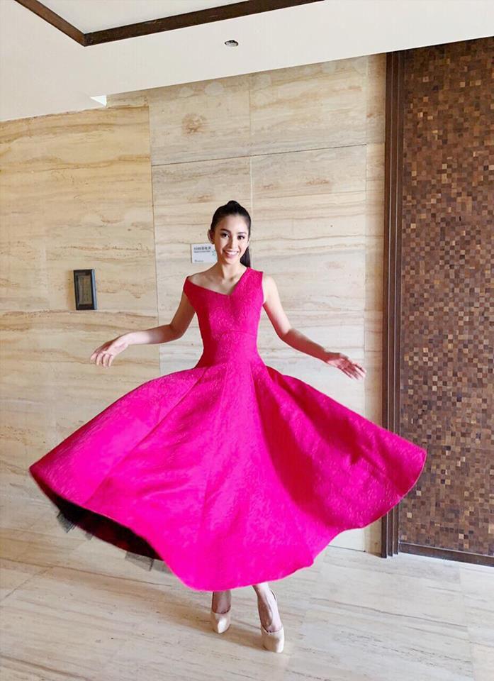 Trần Tiểu Vy khoe vẻ đẹp ngọt ngào trước lúc bước vào phần thi tài năng của Miss World 2018 Ảnh 3