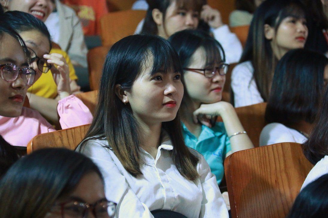 'Học sinh ngủ trước cả khi tôi bắt đầu bài giảng, vậy lỗi tại ai?' Ảnh 2
