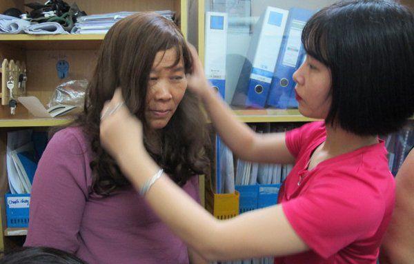 Cuộc sống bi kịch của những bệnh nhân ung thư không tóc Ảnh 2