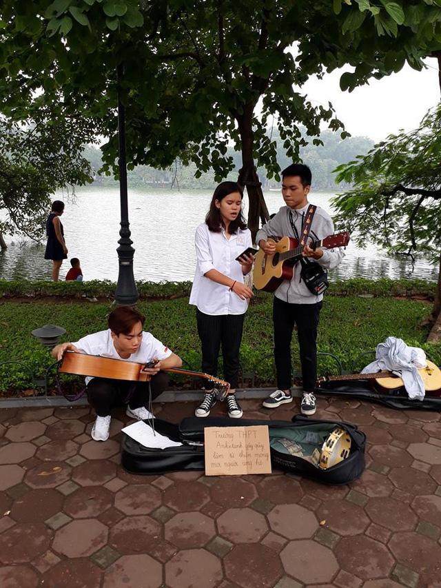 Thầy Hiệu trưởng ở Hà Nội kêu gọi 'hãy tặng chúng tôi nhiều phong bì' ngày 20/11 và câu chuyện ý nghĩa sau đó Ảnh 3