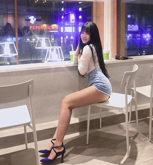 Bạn gái nóng bỏng của thủ môn Lâm Tây: 'Mặc sexy có thể thử lòng đàn ông' Ảnh 3