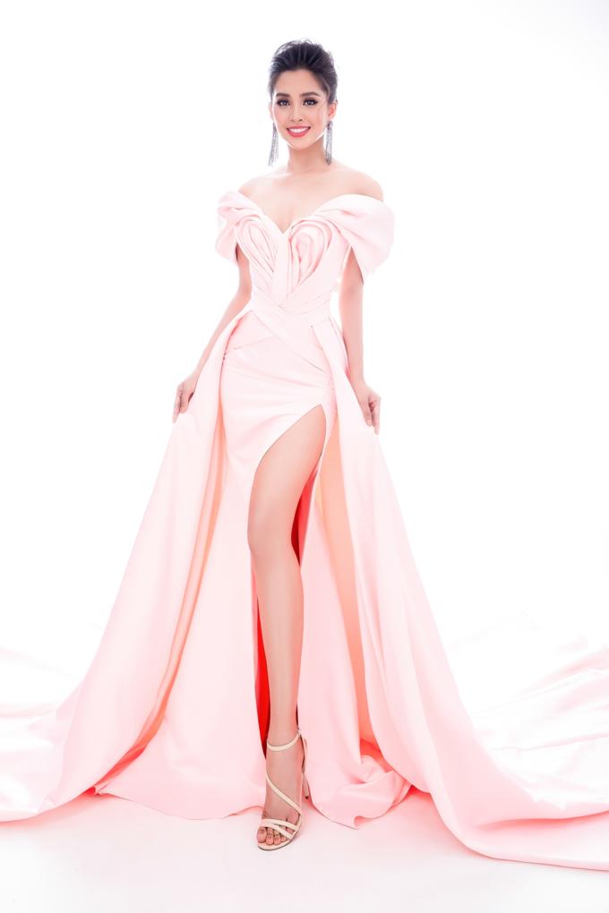 Miss World 2018: Lộ trang phục tham gia phần thi dạ hội - Hoa hậu Tiểu Vy khoe vẻ đẹp sắc sảo Ảnh 10