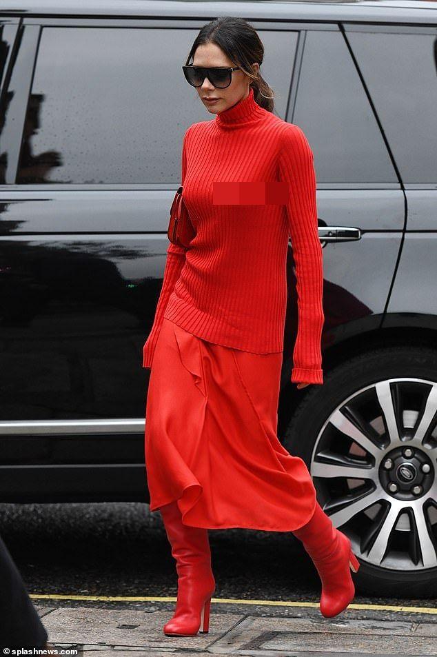 Victoria Beckham dịu dàng xuống phố với set đồ đỏ rực kín đáo Ảnh 3