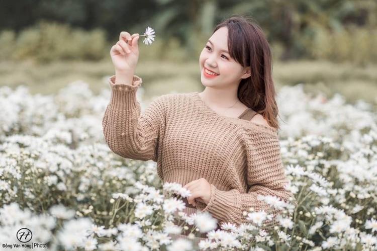 'Soi' nhan sắc thật của nữ sinh Tuyên Quang hóa thân thành 'em gái quê' trong bộ ảnh cúc họa mi gây sốt MXH Ảnh 2