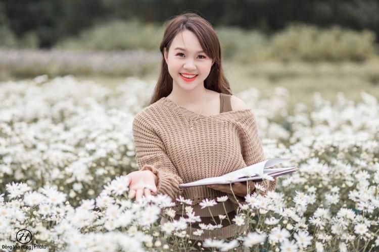 'Soi' nhan sắc thật của nữ sinh Tuyên Quang hóa thân thành 'em gái quê' trong bộ ảnh cúc họa mi gây sốt MXH Ảnh 4