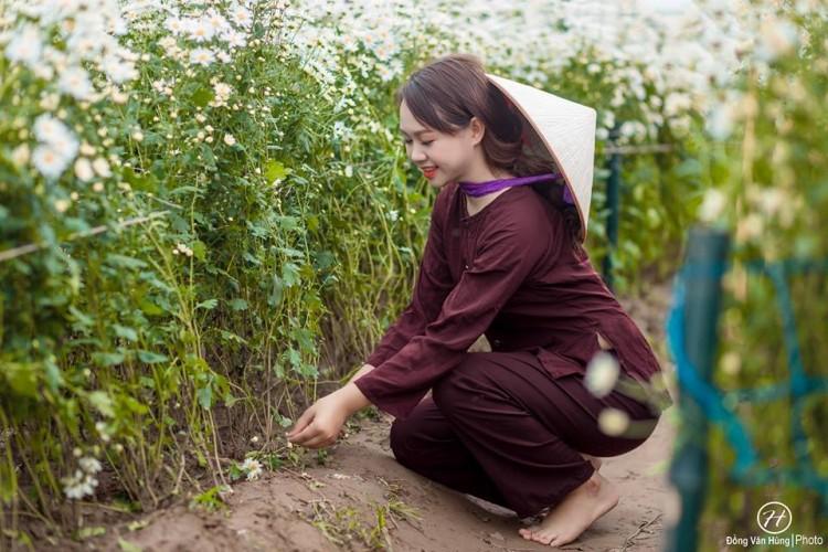 'Soi' nhan sắc thật của nữ sinh Tuyên Quang hóa thân thành 'em gái quê' trong bộ ảnh cúc họa mi gây sốt MXH Ảnh 9