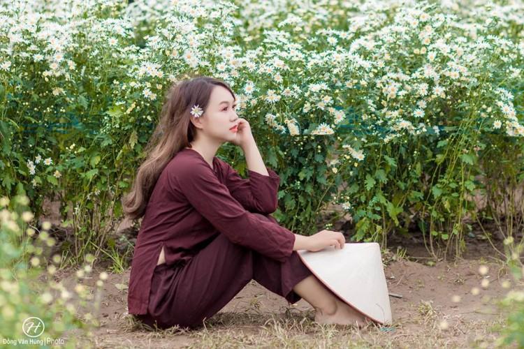 'Soi' nhan sắc thật của nữ sinh Tuyên Quang hóa thân thành 'em gái quê' trong bộ ảnh cúc họa mi gây sốt MXH Ảnh 11