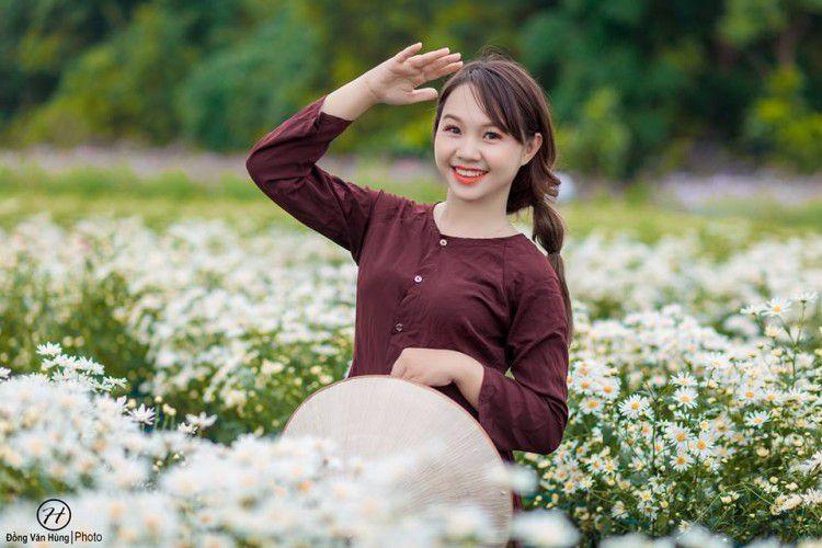 'Soi' nhan sắc thật của nữ sinh Tuyên Quang hóa thân thành 'em gái quê' trong bộ ảnh cúc họa mi gây sốt MXH Ảnh 8