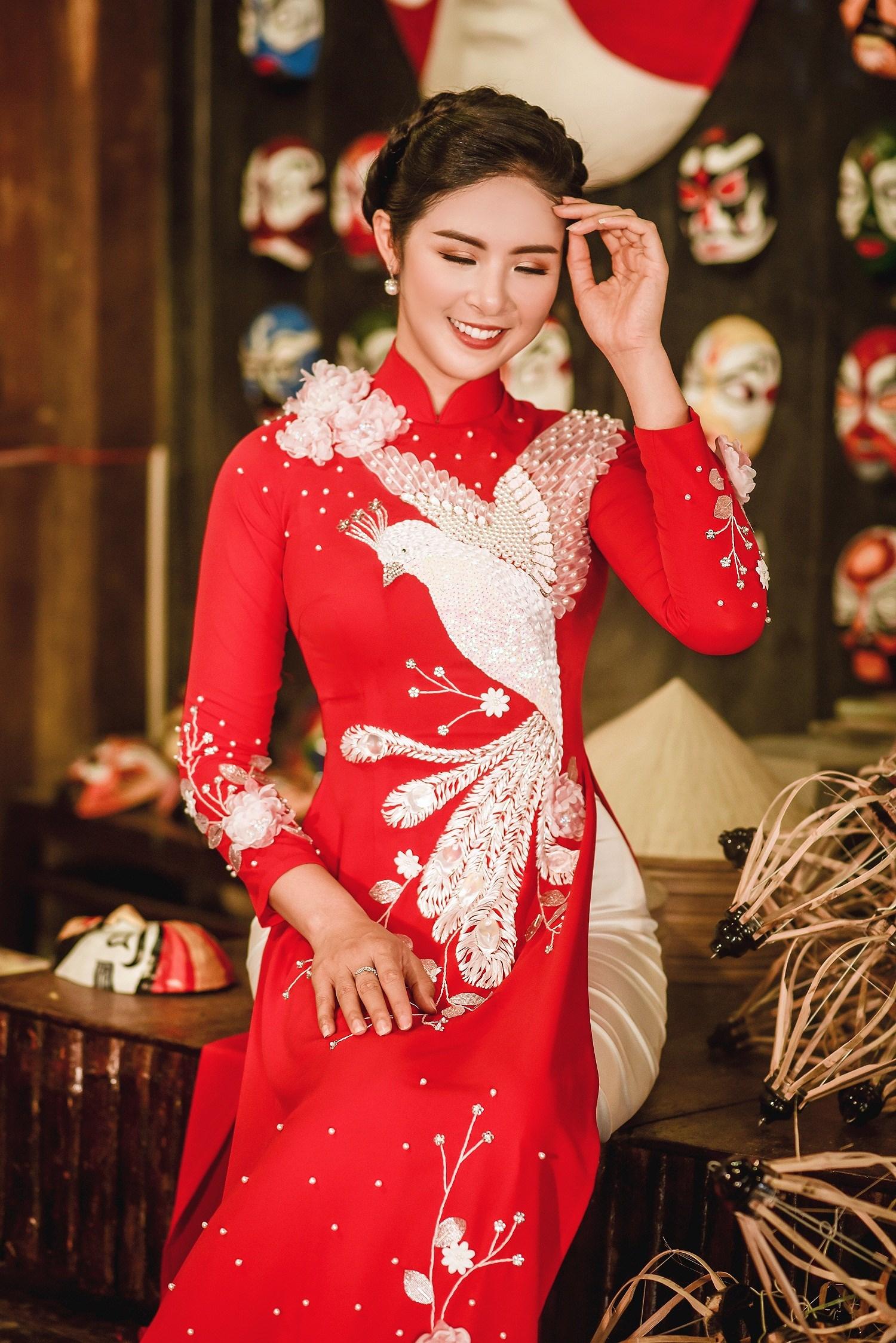 Hoa hậu Ngọc Hân thiết kế áo dài lấy cảm hứng từ cuộc đời Đức Phật Thích Ca Ảnh 2