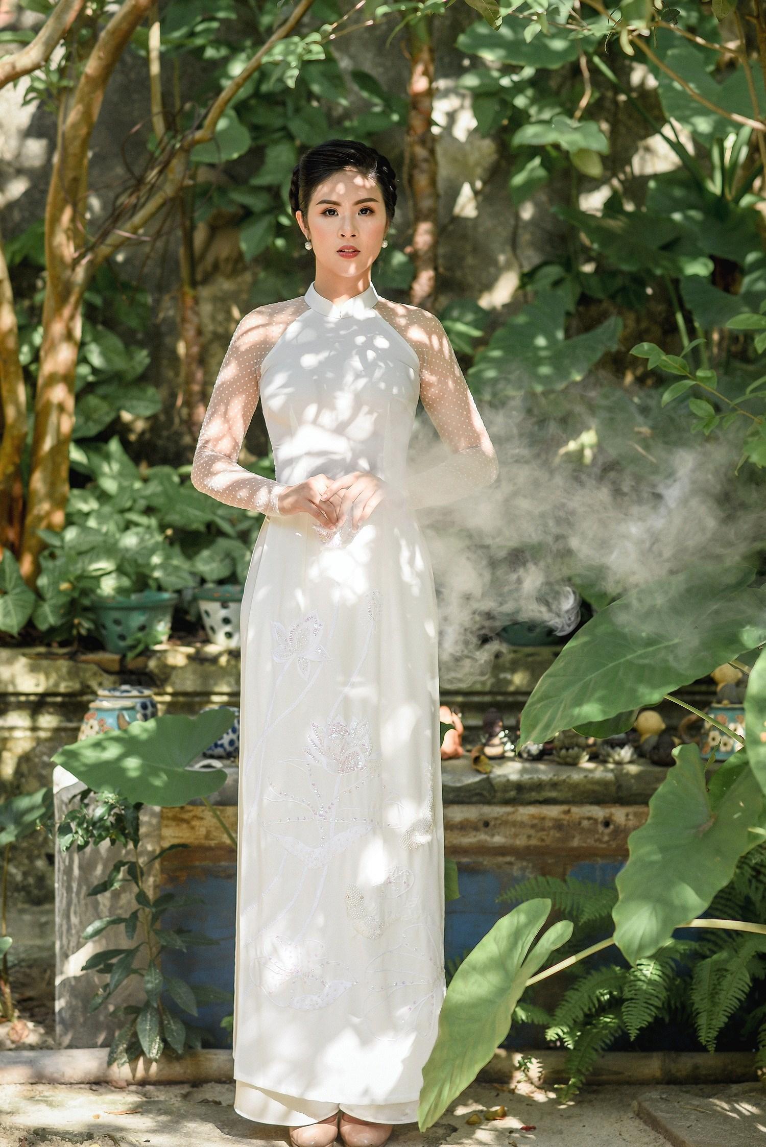 Hoa hậu Ngọc Hân thiết kế áo dài lấy cảm hứng từ cuộc đời Đức Phật Thích Ca Ảnh 1