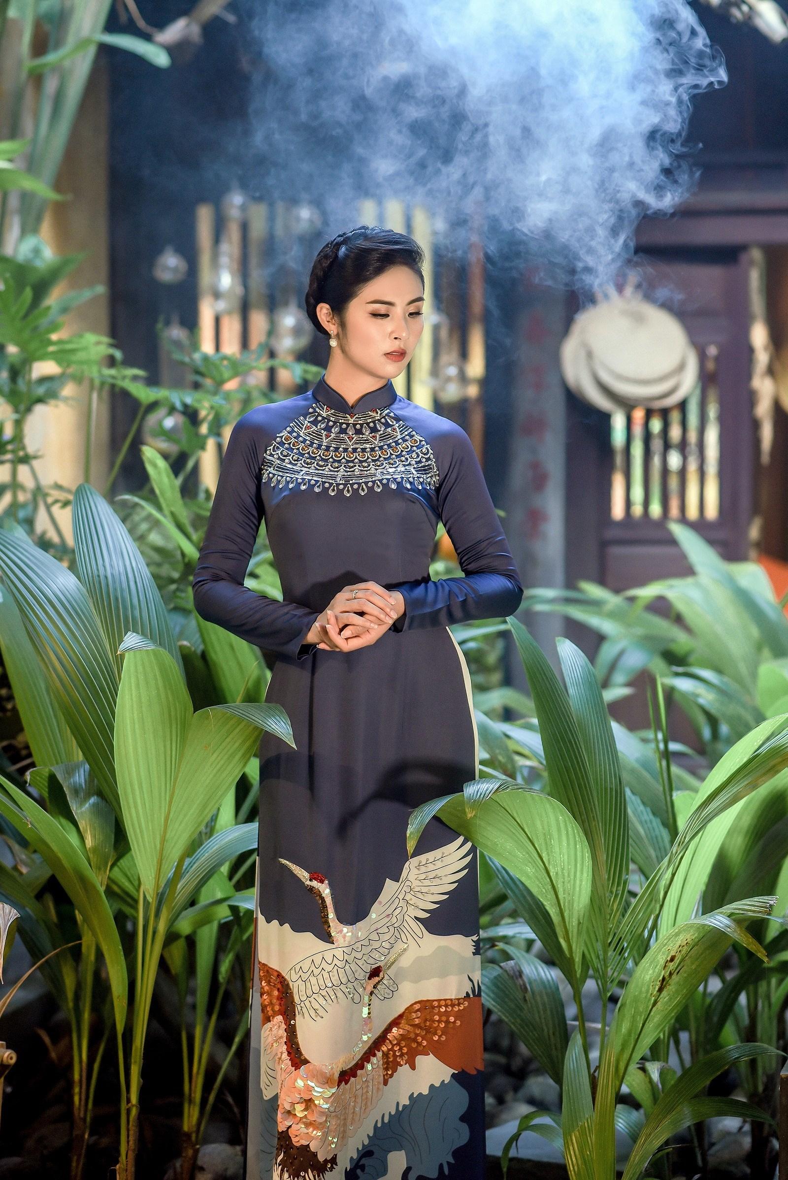 Hoa hậu Ngọc Hân thiết kế áo dài lấy cảm hứng từ cuộc đời Đức Phật Thích Ca Ảnh 7