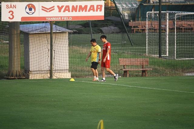 Tiền đạo Văn Toàn trở lại tập luyện cùng đội tuyển Việt Nam Ảnh 1