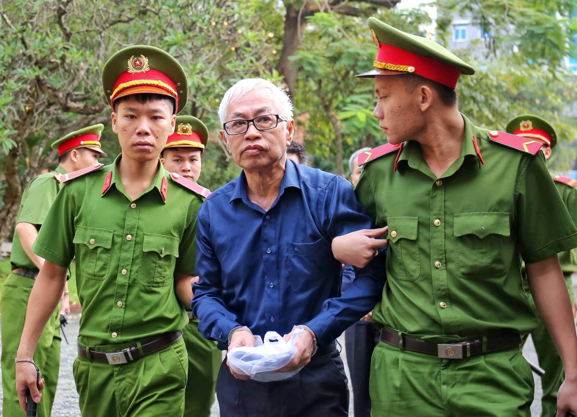 Đại án DongABank thiệt hại hơn 3.608 tỉ đồng: Xét xử Vũ 'nhôm', Trần Phương Bình Ảnh 3