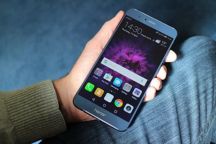 Huawei Honor 8 có thể gây hại cho sức khỏe người dùng Ảnh 1