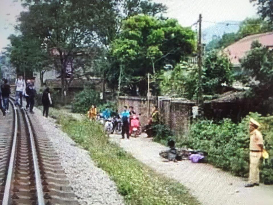 Va chạm giữa xe mô tô và tàu hỏa, 1 nam sinh tử vong Ảnh 1